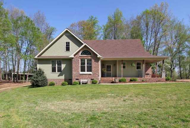 $699,900 - 3Br/3Ba -  for Sale in None, White House
