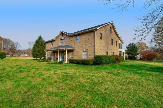 $685,000 - 3Br/3Ba -  for Sale in Cheatham Lake-sycamore, Ashland City