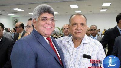 Precandidatura de Fernando Rosa a la Alcaldía de Santiago Genera Polémica Contra Adversario.
