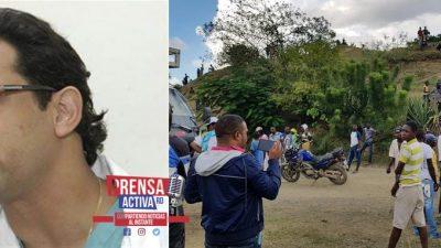 Turba de haitianos secuestra por varias horas al doctor Pedro Ureña y otros profesionales en la frontera