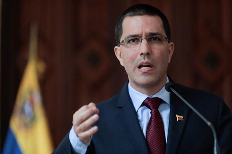 Canciller venezolano rechaza pretensiones intervencionistas de Pompeo