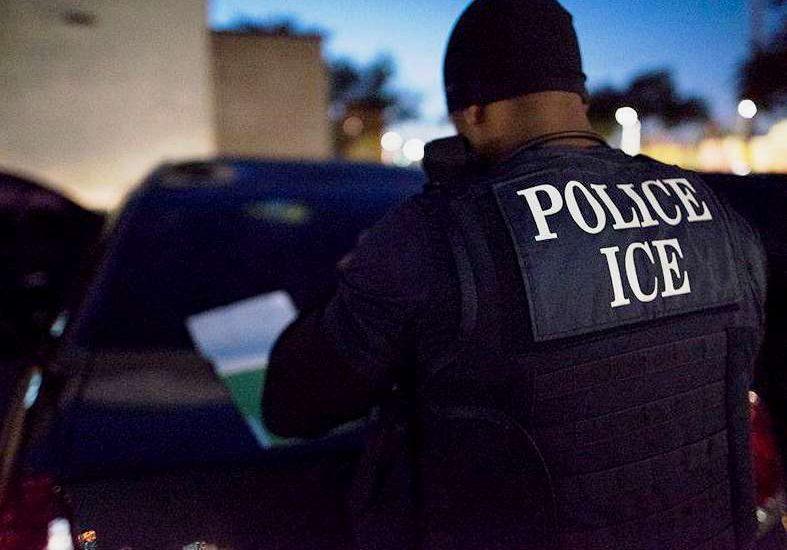 Dominicanos NY preocupados por inmigración vigilar matrículas vehículos