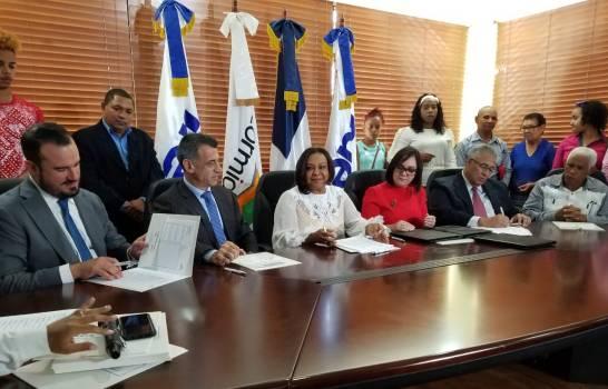 Más de un millón de dominicanos no tiene acceso al servicio eléctrico