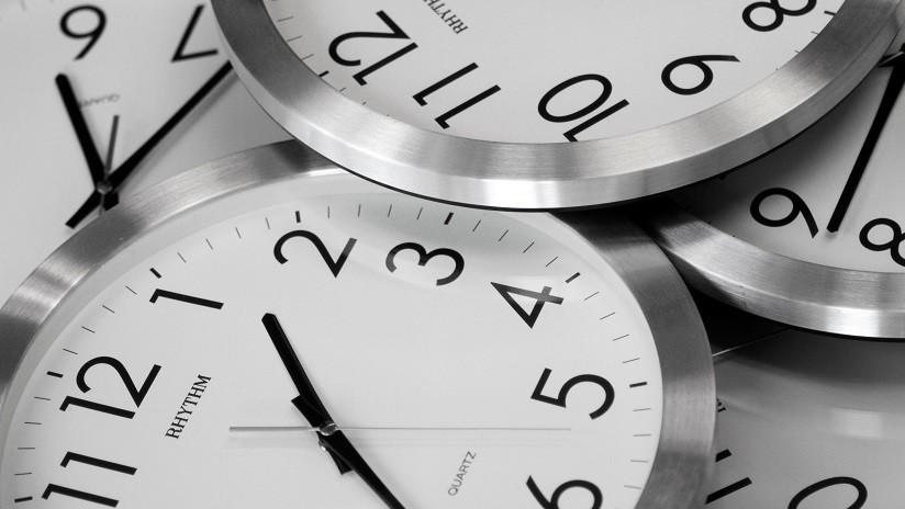 'Máquina del tiempo': Físicos rusos logran enviar partículas al pasado usando una computadora cuántica