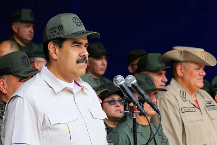 Maduro solicita otorgar rango constitucional a Milicia Nacional