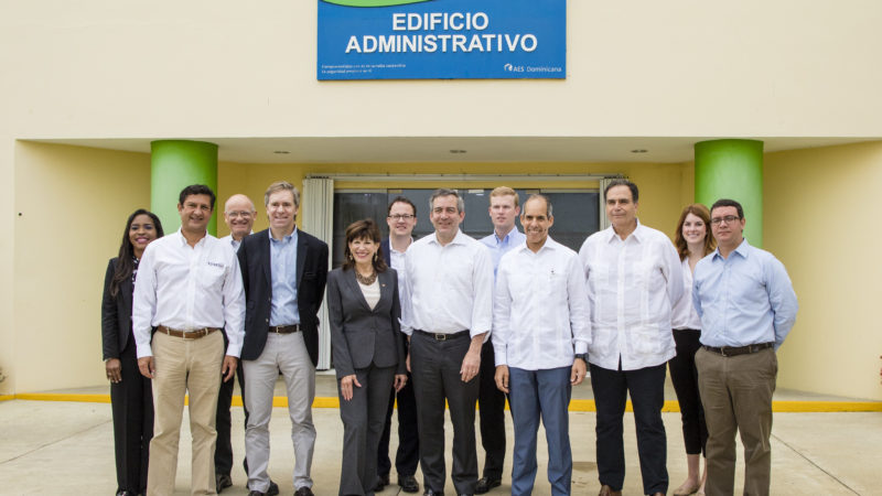 AES Dominicana presenta proyectos de crecimiento