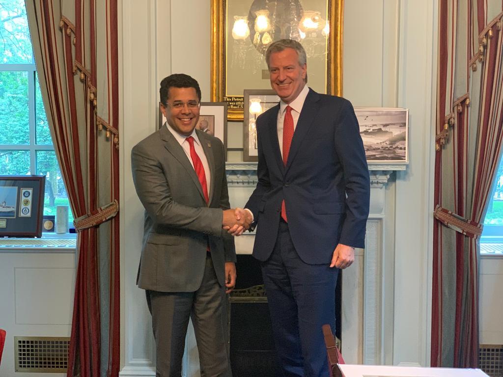 Alcaldes de Santo Domingo y Nueva York reafirman acuerdos de cooperación