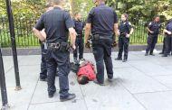 Reporte denuncia que persisten los abusos y las tácticas 'racistas' del NYPD