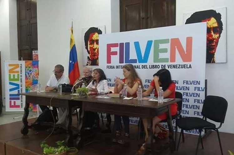 Intelectuales debaten en Venezuela sobre procesos en América Latina