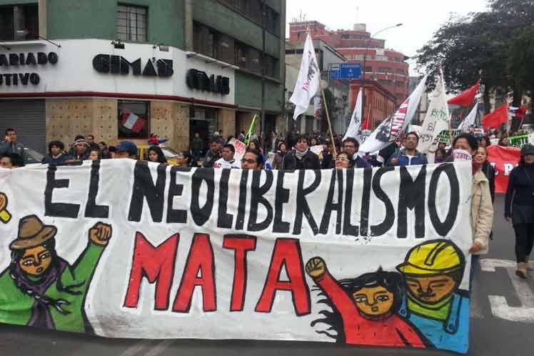 La derecha neoliberal y las fuerzas progresistas de América Latina