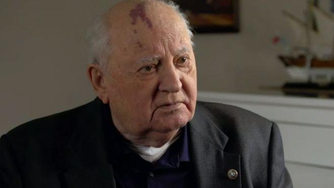 """30 años de la caída del Muro de Berlín: Mijaíl Gorbachov advierte que el mundo está """"ante un peligro colosal"""""""