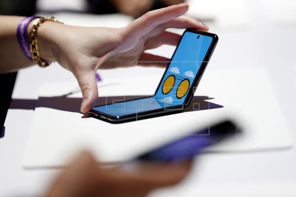Samsung redobla la apuesta por los plegables pese a los problemas del Fold