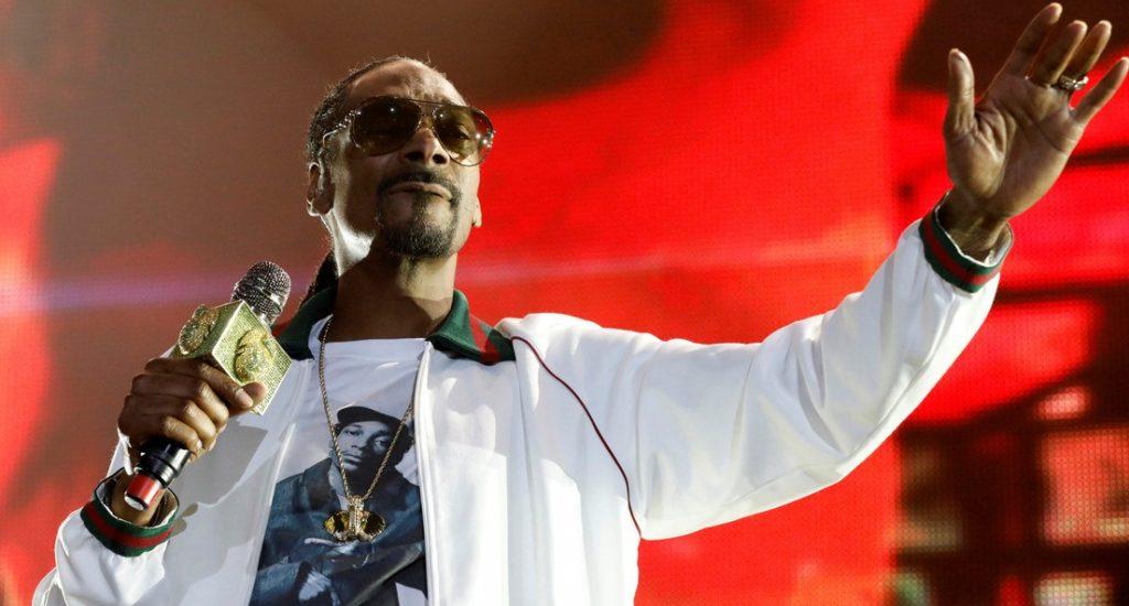 Snoop Dogg se disculpa con periodista que insultó por hablar de las acusaciones de violación contra Kobe Bryant