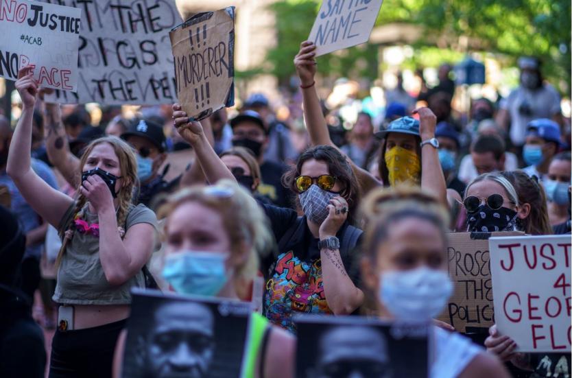 Nueva York se suma a las protestas por la muerte de hombre afroamericano