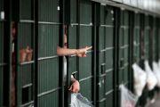 Buscan evitar que posible segunda ola de COVID-19 afecte a más presos en cárceles de Nueva York
