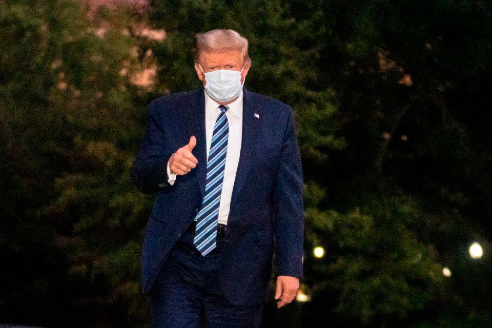 """Trump anota """"Acabar con el COVID-19"""" entre sus logros científicos como presidente"""