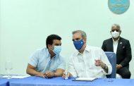 Presidente Luis Abinader y el director de Inapa Wllington Arnaud aseguran trabajarán en Plan Nacional del Agua para garantizar suministro y calidad del líquido en los hogares dominicanos