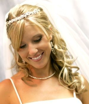 Coiffure de mariage 2017 \u2013 nice Coiffure de mariage 2017 \u2013 Mode coiffure  mariage cheveux lachés bouclés\u2026