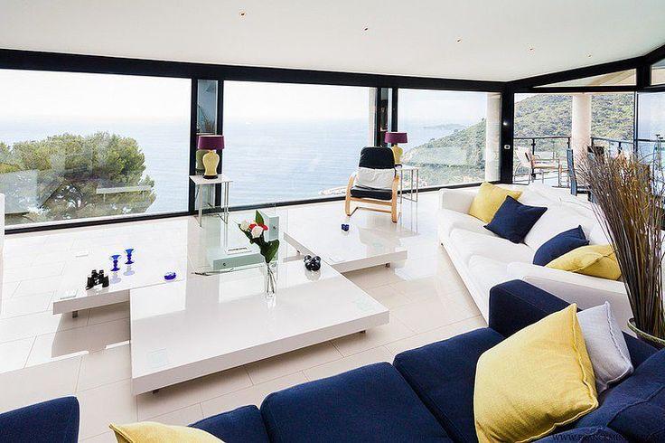 Déco Salon - salon moderne avec vue aux accents bleu marine et ...