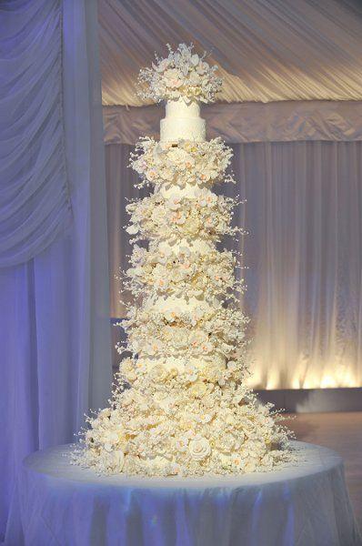 Pièce montée 2017 \u2013 Wow \u2013 ce gâteau de mariage décadent de Sylvia Weinstock  serait parfait pour un glam \u2026