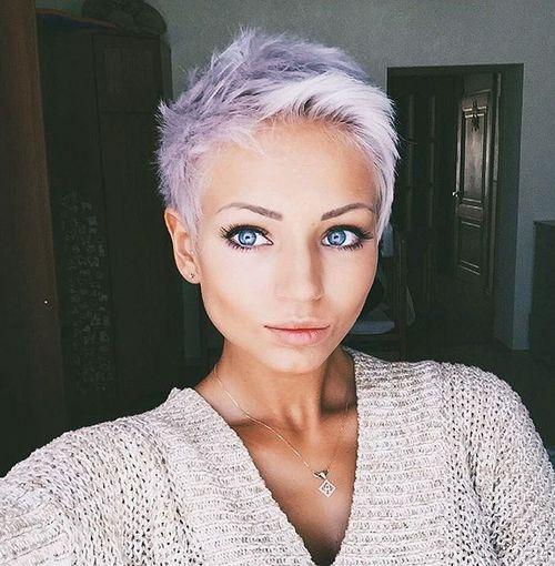 Cheveux gris court 2018