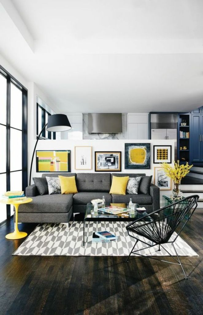Déco Salon - salon jaune et gris, chaise ronde, lampe de sol noire ...