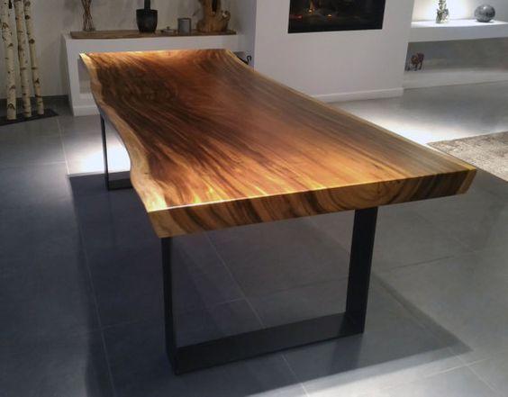 Id e d coration salle de bain cette table dexception en - Pied de table en bois massif ...