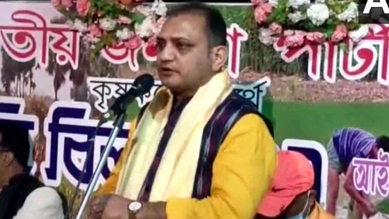 West Bengal BJP vice-president Raju Banerjee controversial statement on police in Durgapur yesterday | BJP नेता का पुलिस पर विवादित बयान, कहा- सरकार बनी तो जूते चाटने पर मजबूर कर देंगे