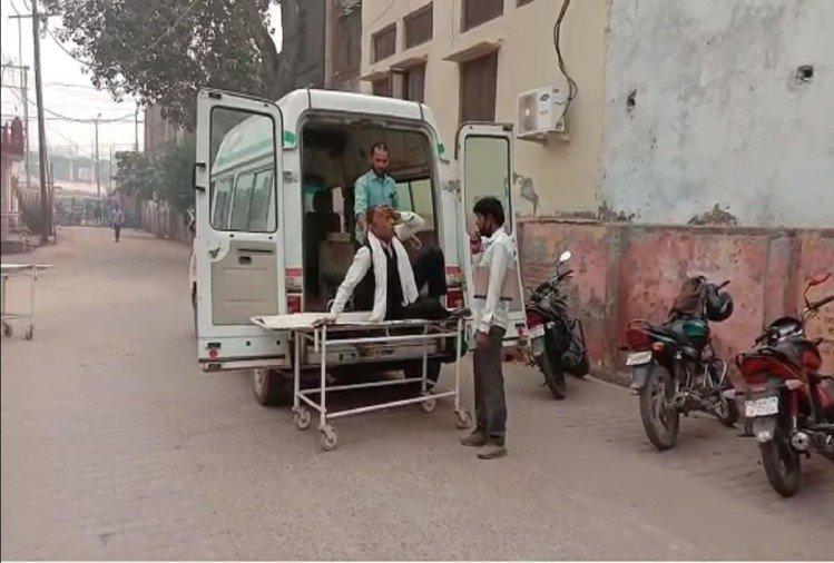 Major Road Accident In Aligarh Palwal Road Many Injured Admitted To Hospital – यूपी: अलीगढ़-पलवल मार्ग पर ट्रक ने टेंपो में मारी टक्कर, आठ घायल