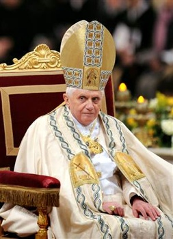 080131-Pope-Benedict-Vmed-10A.Widec