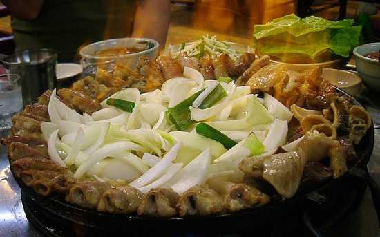 800Px-Korean.Food-Gobchang.Bokkem-01