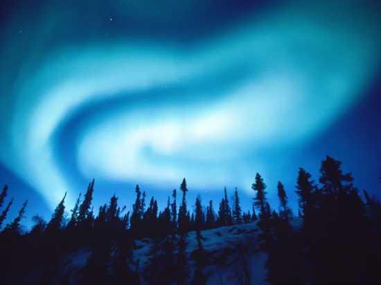 Swirling-Aurora-Nicklen 1528 600X450