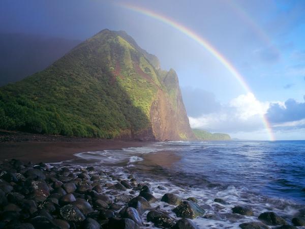 Misty-Rainbow-Waialu-Valley-Molokai-Hawaii