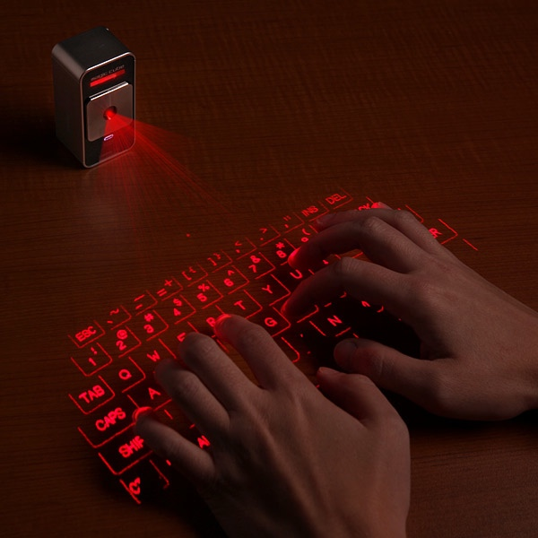E722 Cube Laser Virtual Keyboard For Iphone Inuse