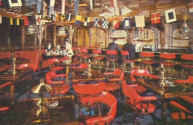 Postcard - Chicago - Sheraton-Chicago Hotel - 505 N Michigan Ave - Kon-Tiki Ports - Singapore Joe's Tavern - C1960