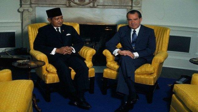 President Nixon and Suharto Chatting