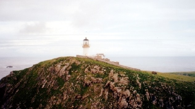 The_lighthouse_on_Eilean_Mor