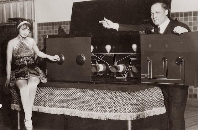 10 Secrets Behind Harry Houdini s Greatest Illusions Listverse