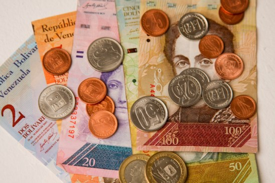 Image score for Venezuela Government Slashes Currency's Value by 96 percent