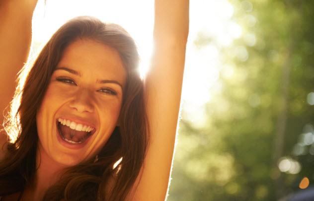 2-happy-woman_000045734036_Small