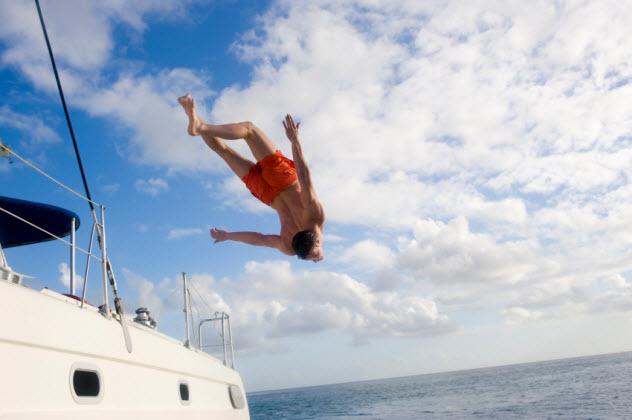 1-jumping-into-sea_000010566696_Small