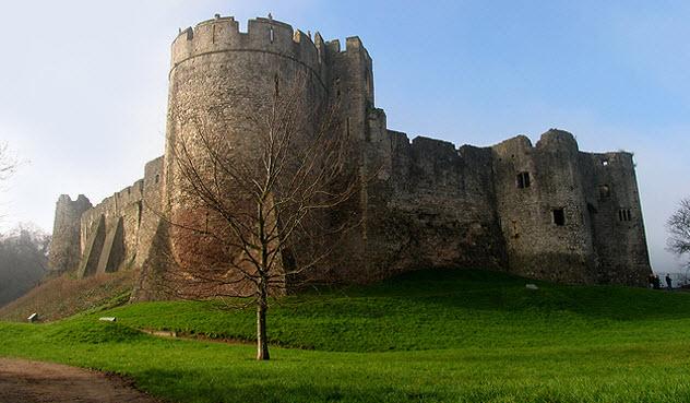 5-Chepstow-Castle-bkgr