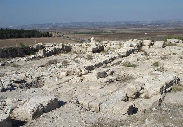 1-ruins-tel-magiddo