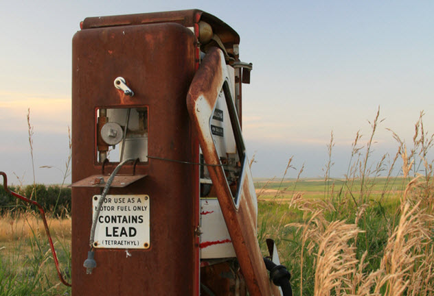 1a-leaded-gasoline_4354066_SMALL