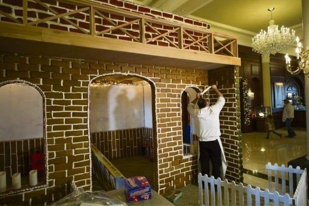 walk-in-gingerbread-house