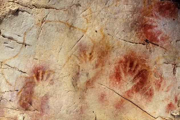 El Castillo Handprints