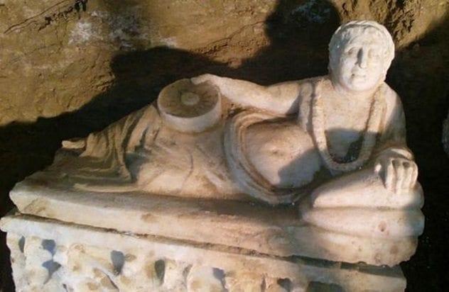 etruscan-tomb-artifact