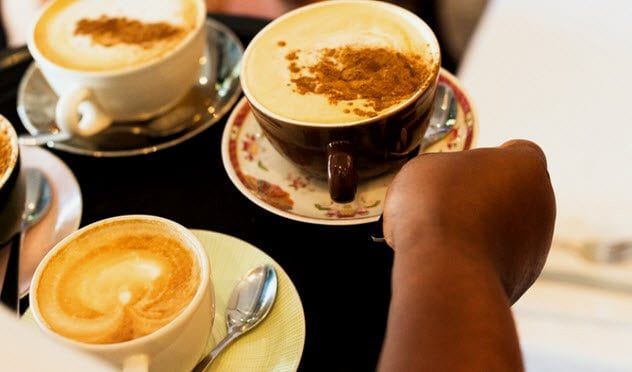 9b-filled-coffee-cups-south-african-restaurant-585771094