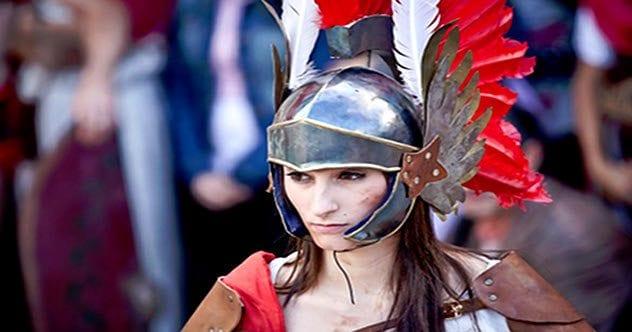 1Arde-Lucus-Gladiatrix