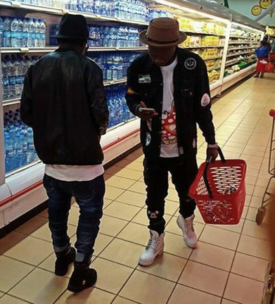 Guys go to to shoprite to snap pictures